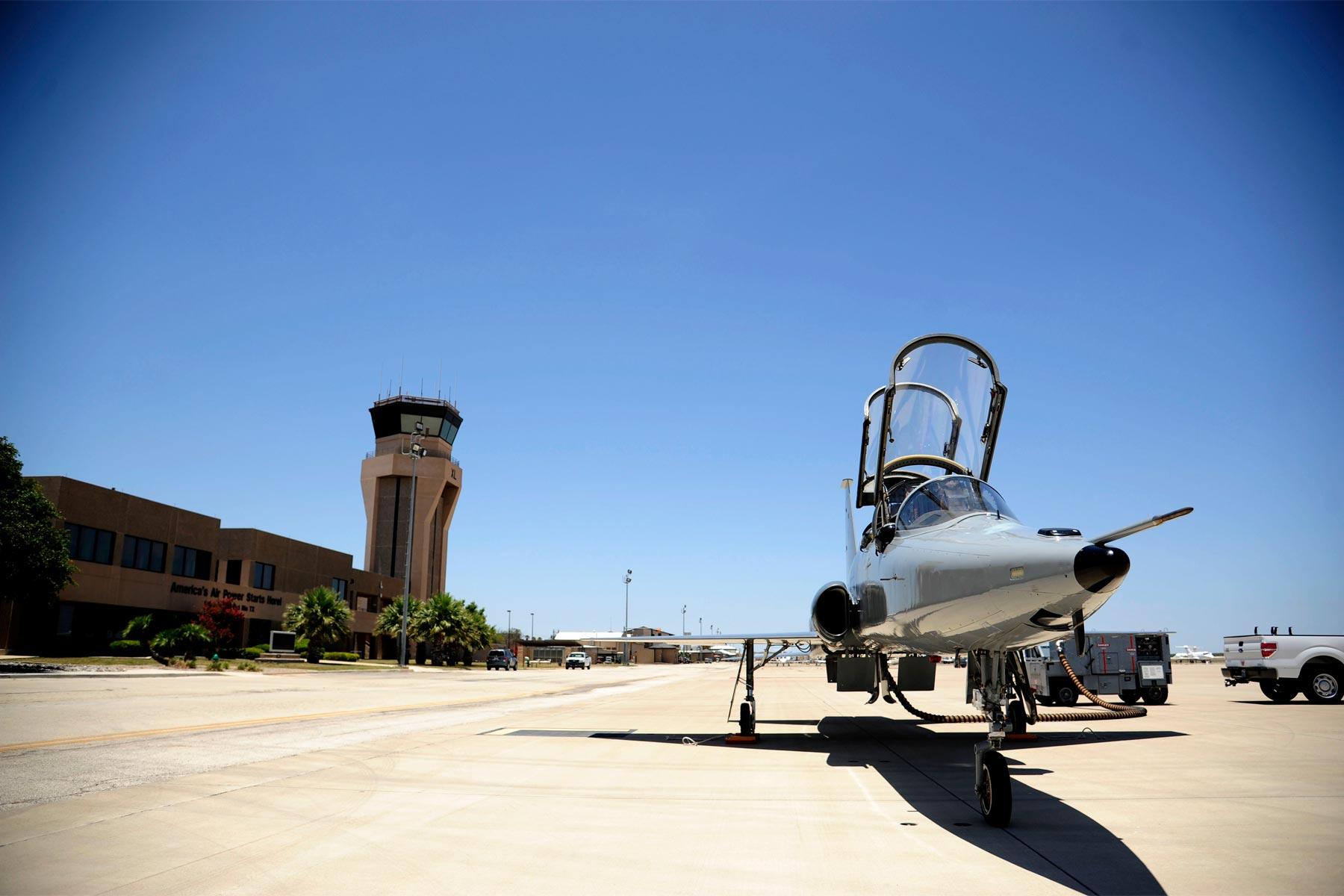 Laughlin AFB Suspends ...