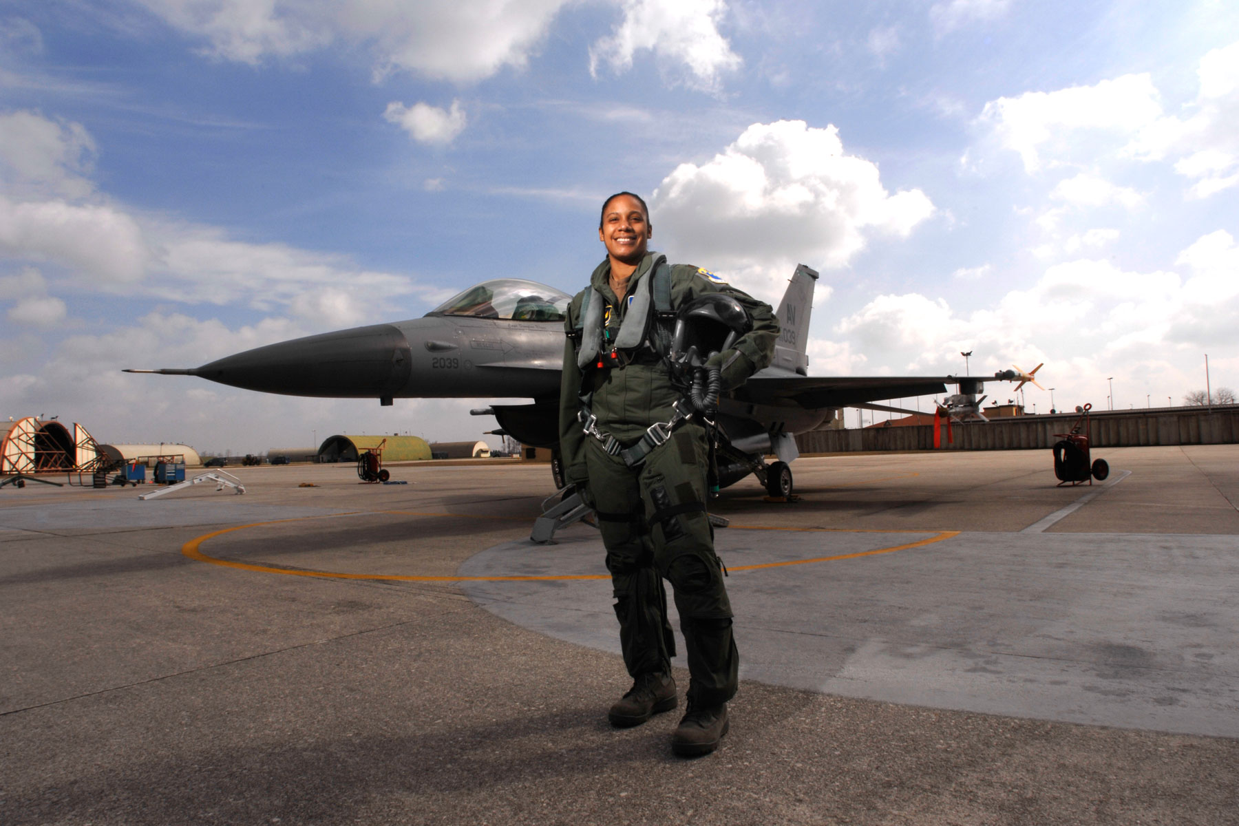 Maj. Shawna Kimbrell served as the Air Force's first black female fighter pilot (DoD/Benjamin Rojek)