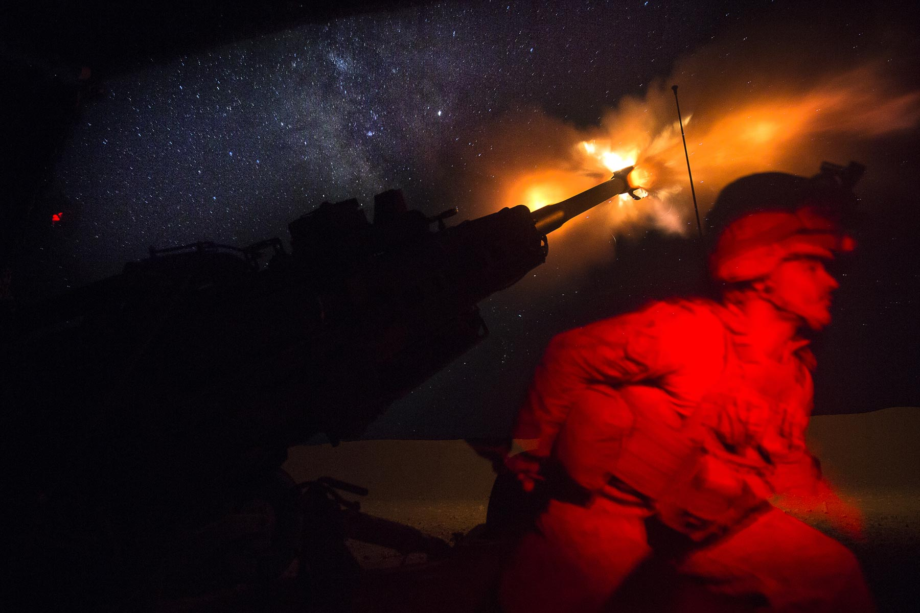 US Forces Back New Offensive in Syria with Air and Artillery Strikes
