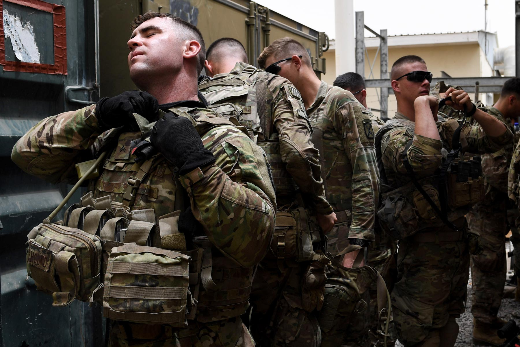 army body armor may be too heavy for combat  report finds