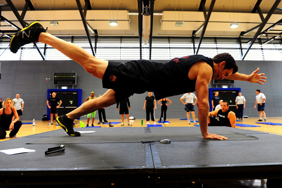 Workout Of The Week Weights And Calisthenics Mix
