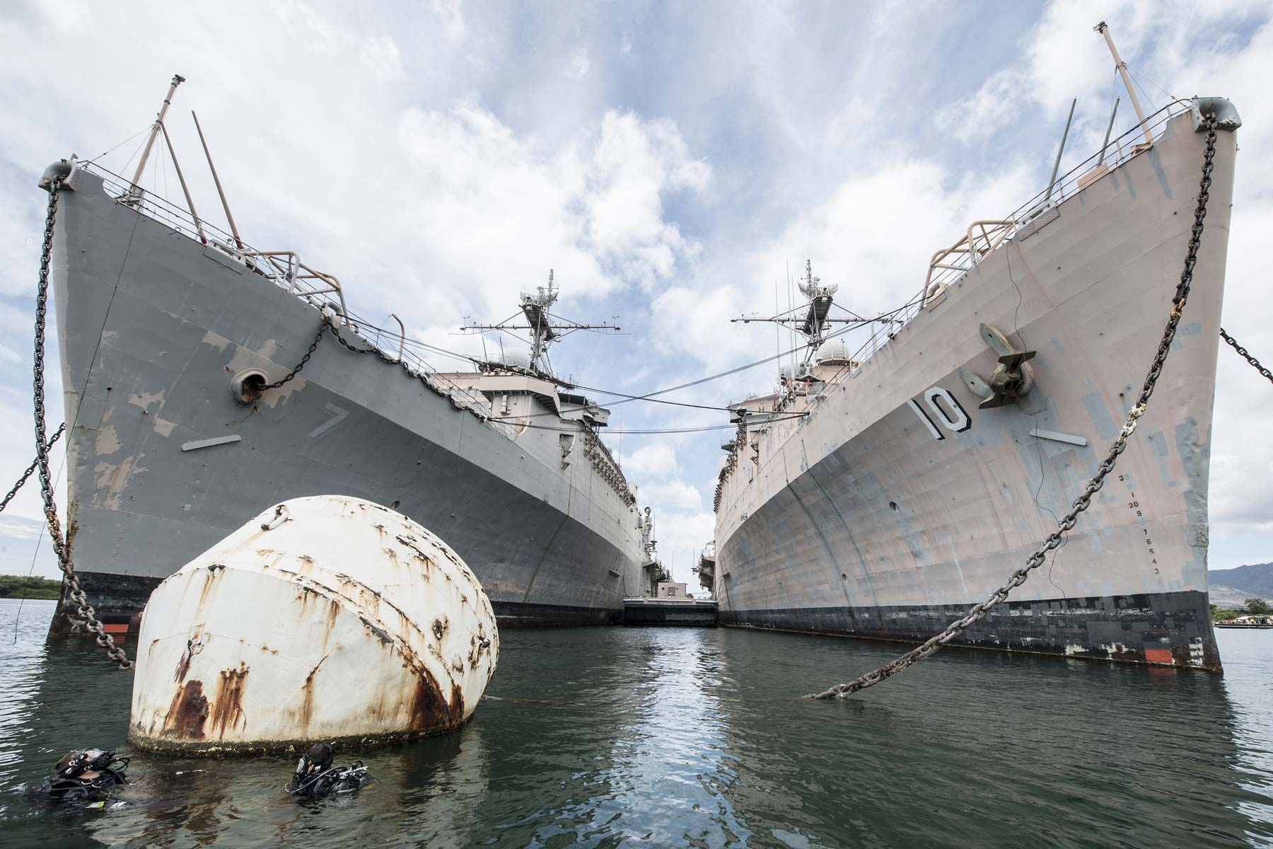 Navy Won't Resurrect Decommissioned Ships for 355-Fleet Buildup, Admiral Says