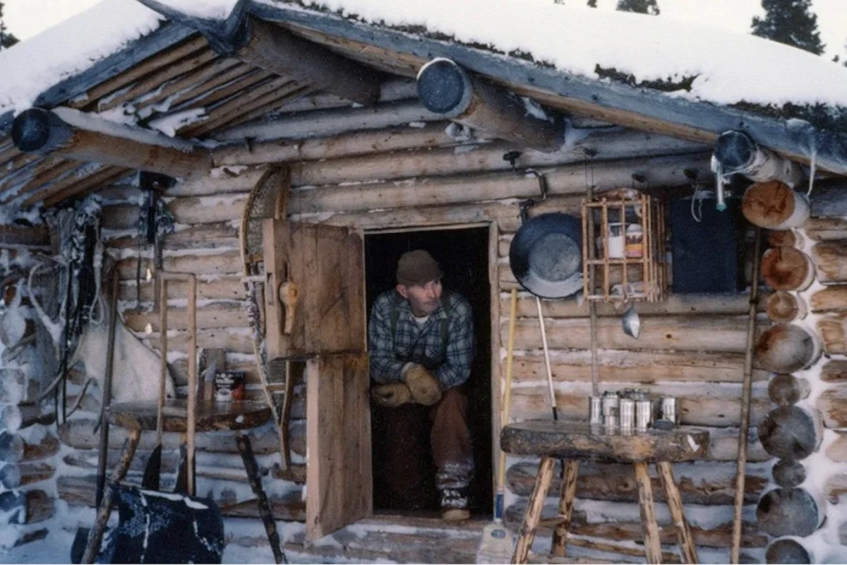 learn how to live off grid from this legendary navy vet