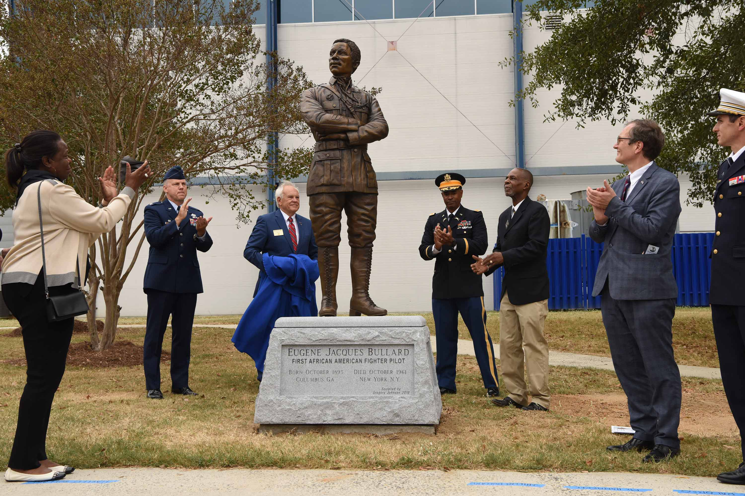 World's First Black Fighter Pilot Honored at Museum of Aviation