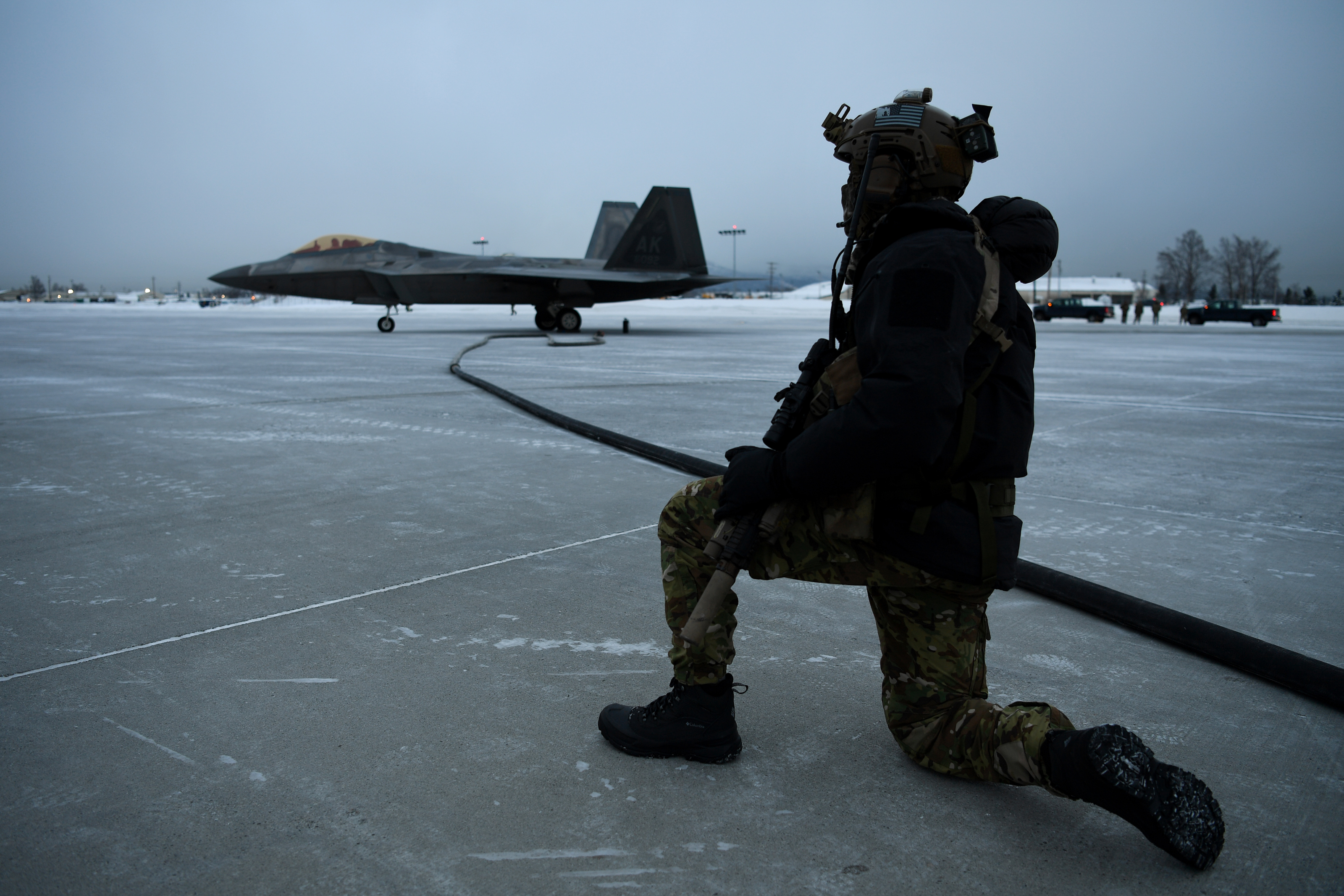 F-22 Stealth Fighters Make History with Extreme Cold-Weather Remote Refueling