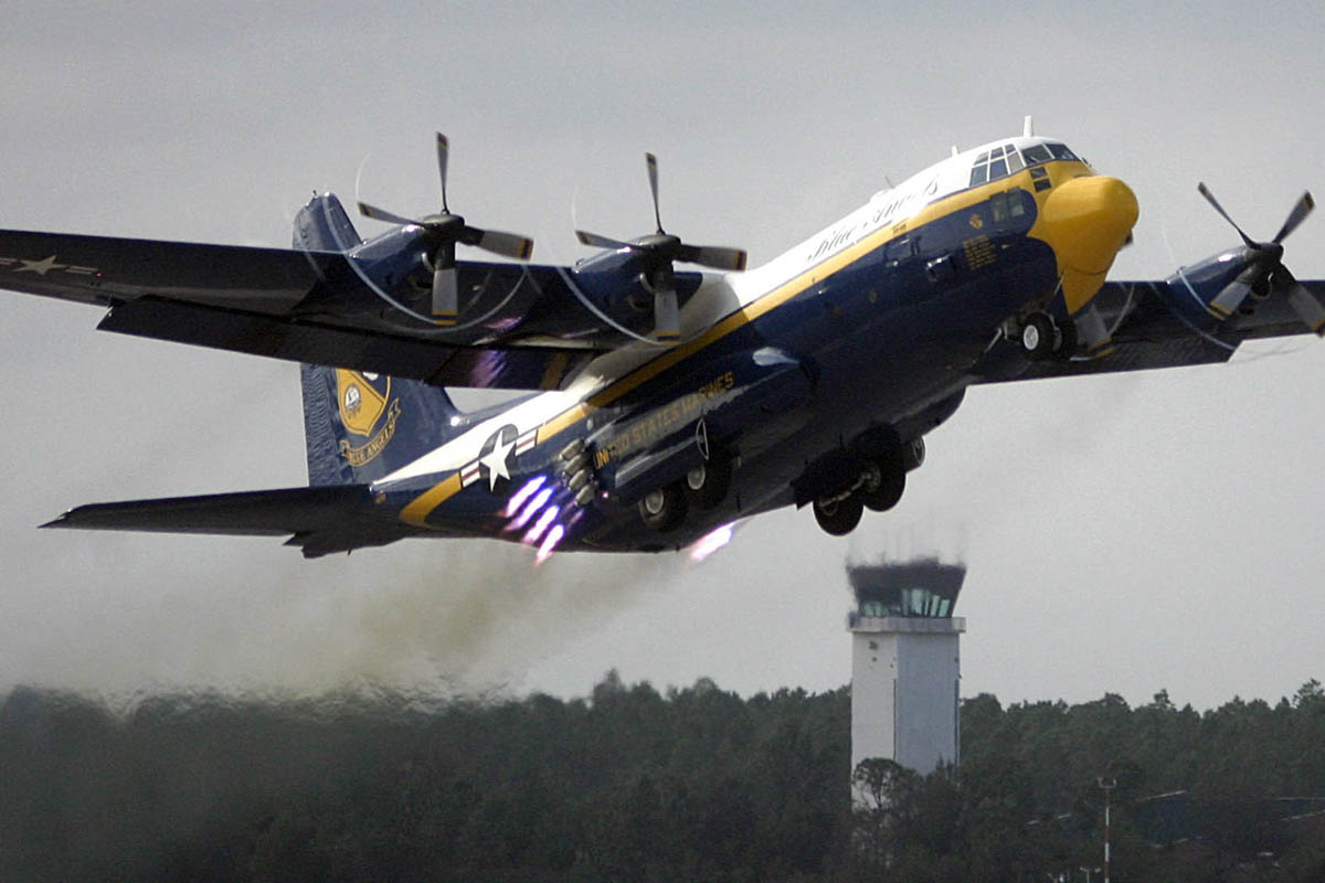 Watch These C-130s Make Next-Level Jet-Assisted Takeoffs