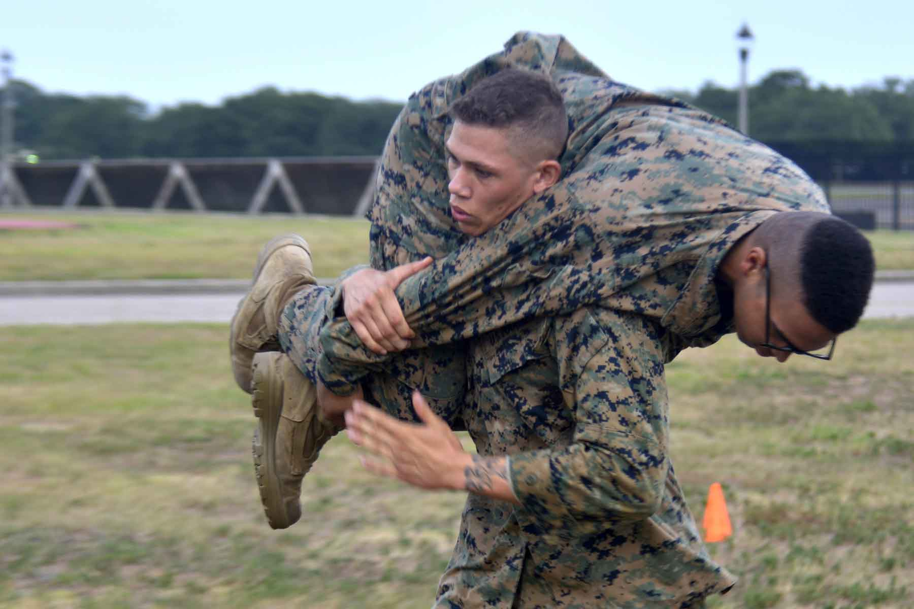 Photo of Marines' Combat Fitness Test Canceled for Year as Virus Cases Spike Again