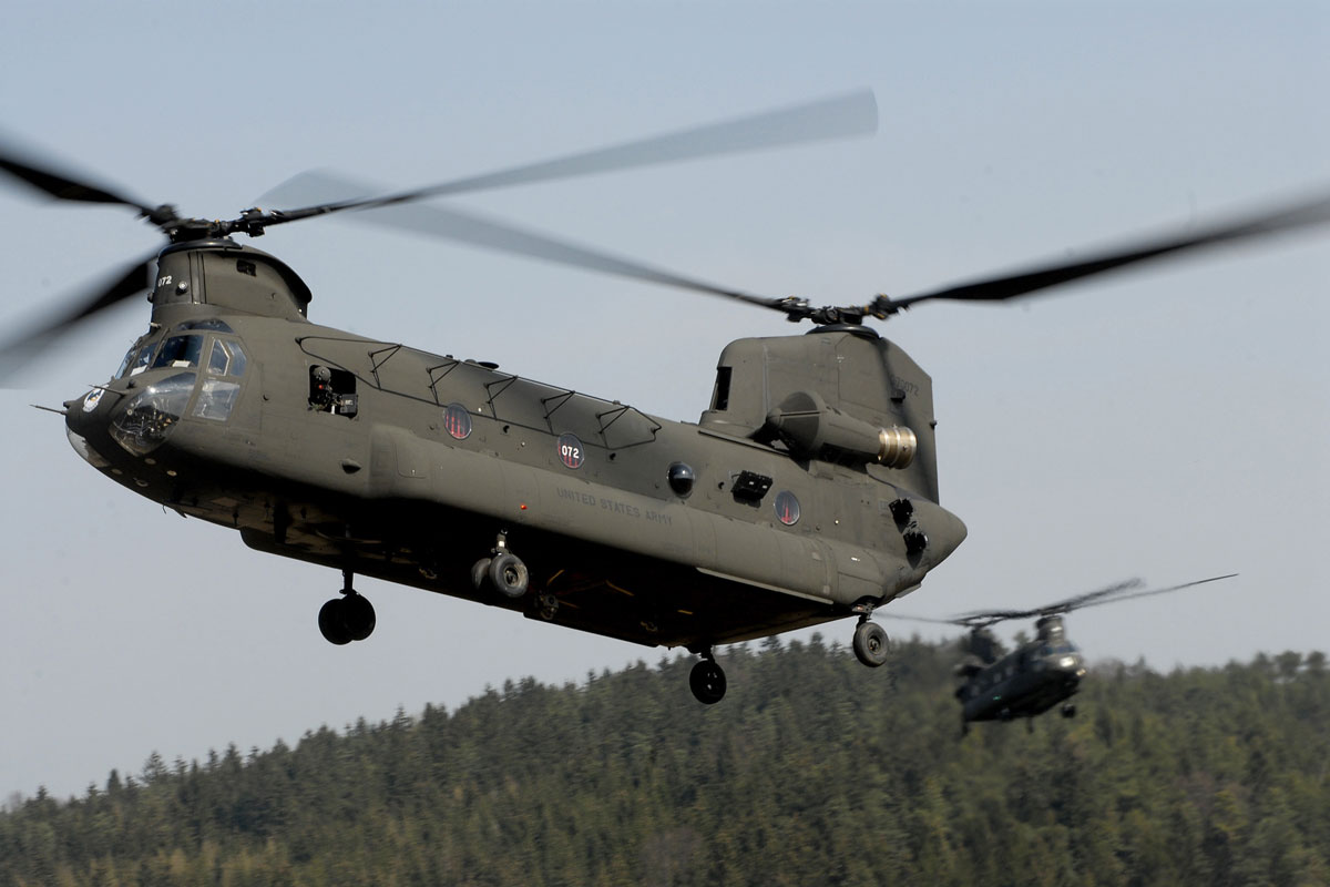 CH-47D Chinook | Milit...