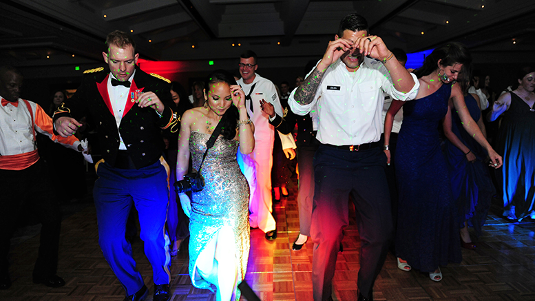 What Not to Wear to a Military Ball | Military.com