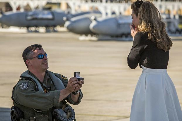 Maj. James Corrington proposes to his girlfriend at Marine Corps Air Station Beaufort, South Carolina. (U.S. Marine Corps/Jonah Lovy)