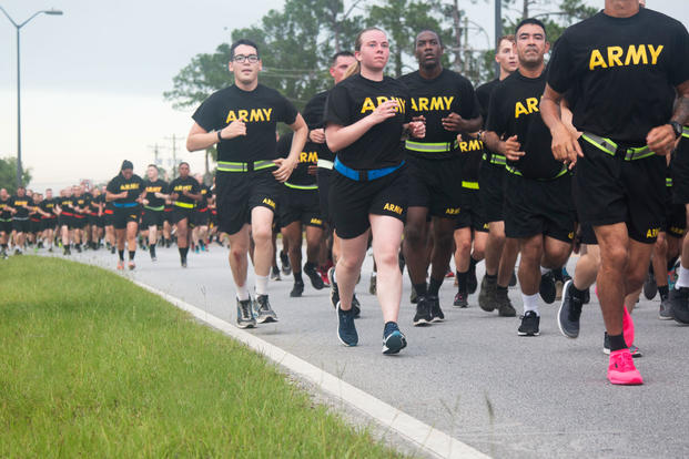 Soldiers of the 3rd Infantry Division kick off the Marne Division's Independence Day celebration with a division run on Fort Stewart, Ga., July 4, 2018. (U.S. Army photo/Arjenis Nunez)