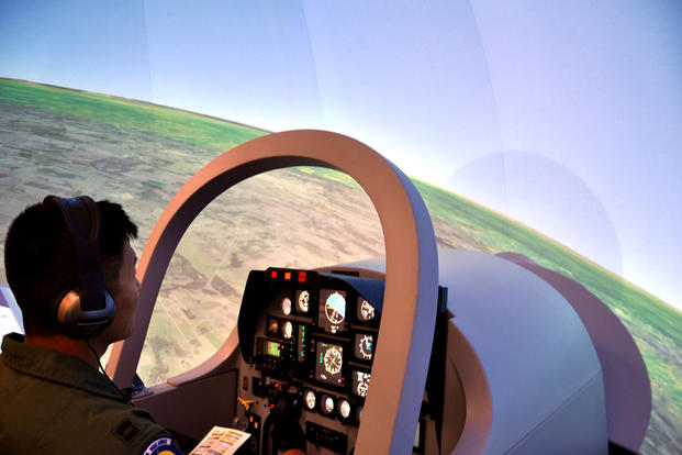 Student Pilots Given Unlimited Simulator Time in New Air Force