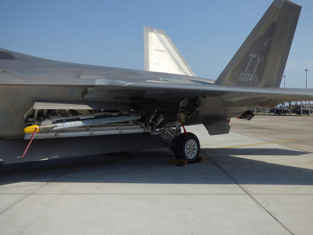 F 22 Pilots Welcome End Of Old Missile On New Fighter