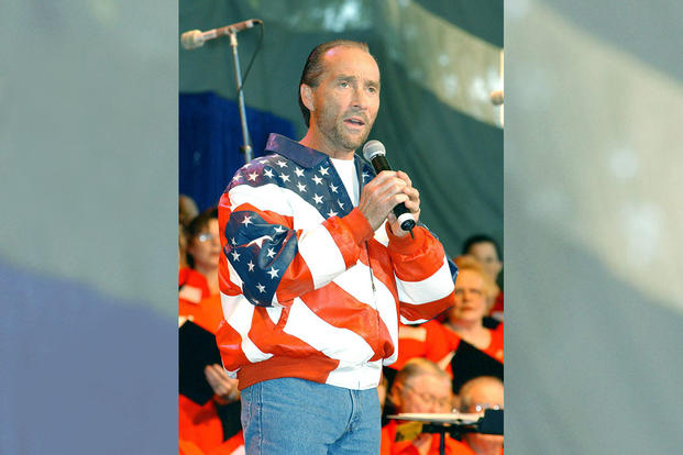 Lee Greenwood (U.S. Air Force photo by Yoland Hunter)
