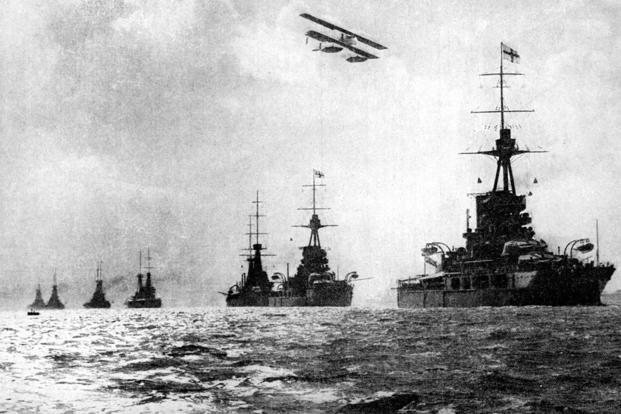 World War I battleships underway