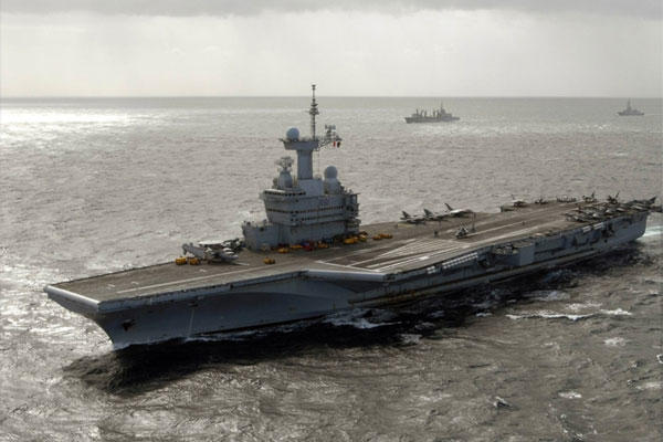 The French aircraft carrier Charles de Gaulle (R91) underway in 2009.