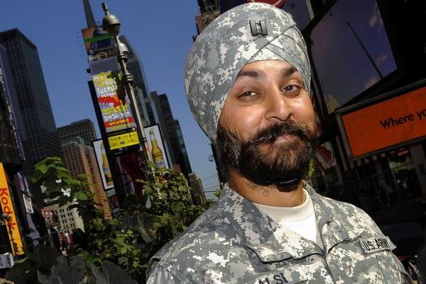 Captain Kamal Kalsi, the first Sikh in the US Army, wears his camouflage turban in Times Square on Sept. 14, 2015. (US   Army)