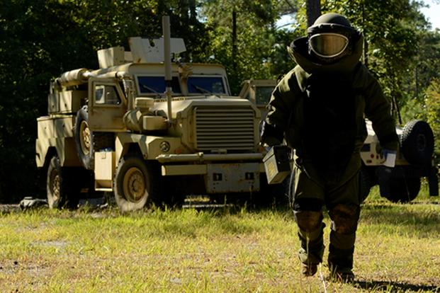 A staff sergeant participates in the 2015 EOD Team of the Year competition, held Sept. 14-17, 2015 at Fort A.P. Hill, Virginia. (Defense Department photo/Jose A. Torres Jr.)