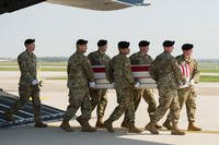 A U.S. Army carry team transfers the remains of Spc. Gabriel D. Conde, of Loveland, Colo., May 3, 2018, at Dover Air Force Base, Del. (U.S. Air Force photo/Mauricio Campino)