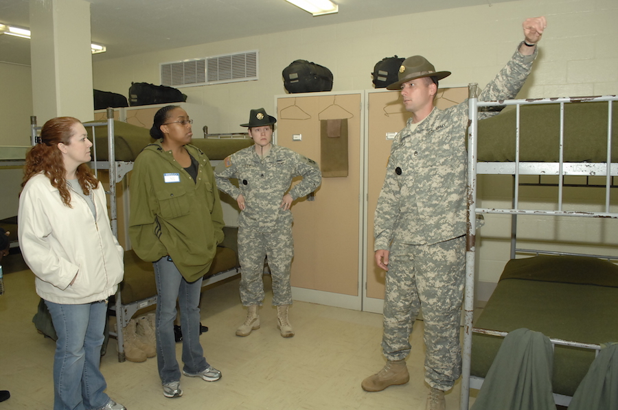 9 Essential Items Soldiers Should Have in Their Barracks Rooms